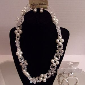Hannah collection Jewelry - NWT NECKLACE EARRINGS & BRACELET RETAIL $60 J11-4
